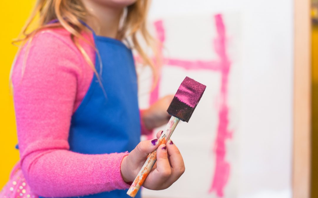 Es busca professor/a de pintura i/o plàstica
